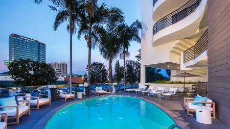 Apartments with Pools Sherman Oaks, CA| Alister Sherman Oaks